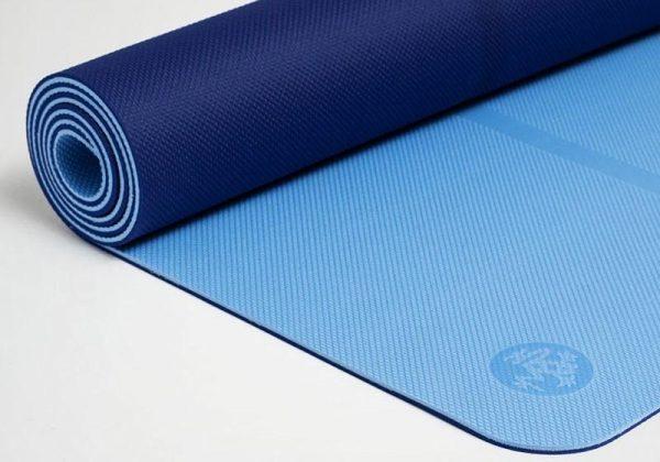 Коврик для йоги Begin Yoga Light Blue Manduka.