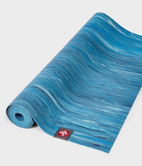 Коврик для йоги eKO SuperLite Mat Dresden Blue Marbled Manduka.