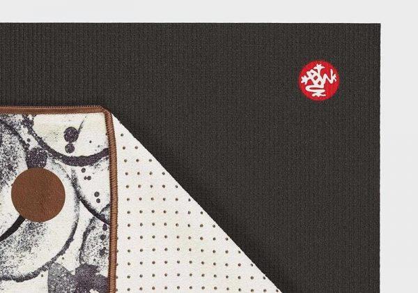 Коврик-полотенце для йоги Yogitoes Enso Ink Manduka.